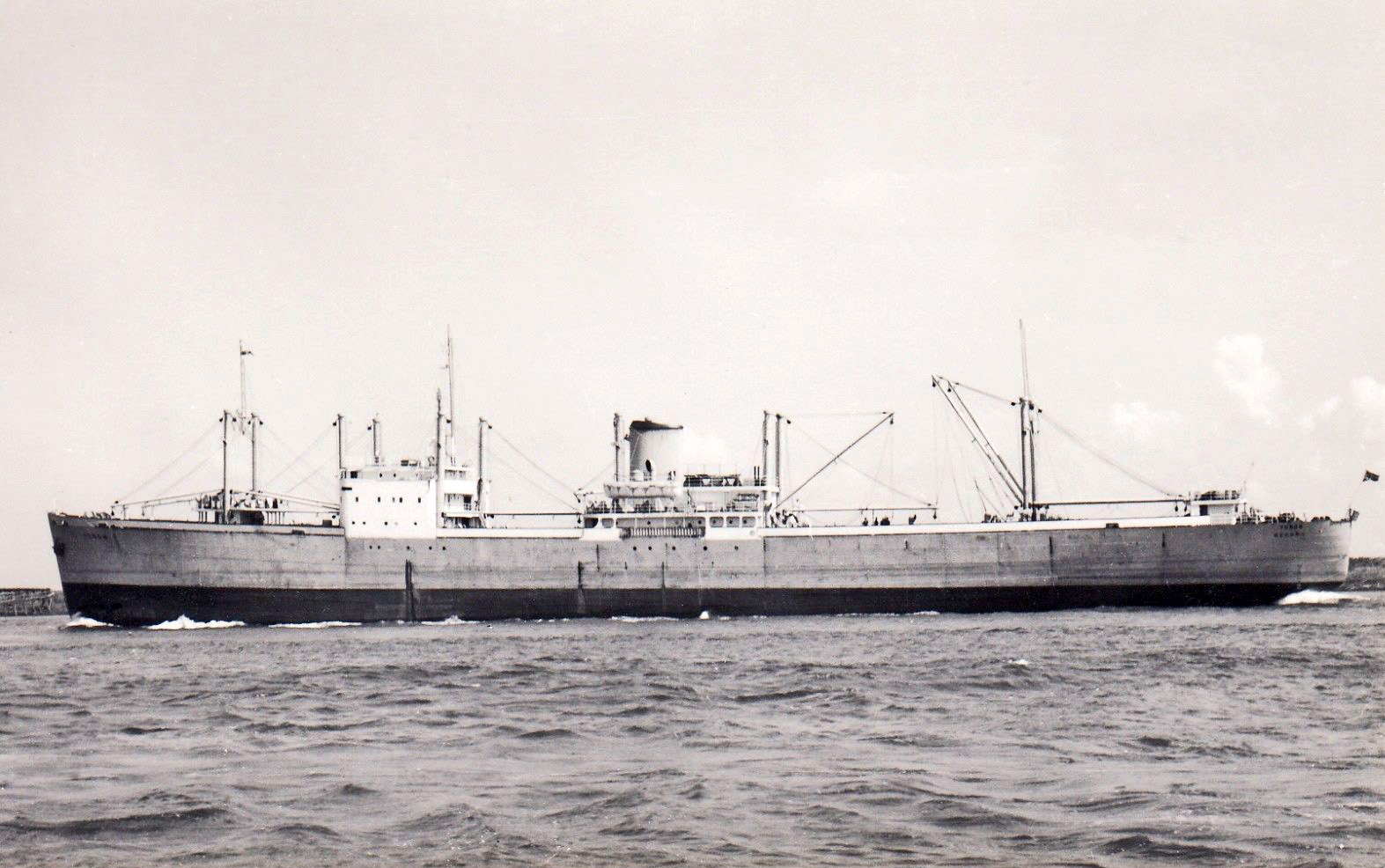 Motor vessel empire macrae built by lithgows ltd in 1943 for Motor cargo freight company